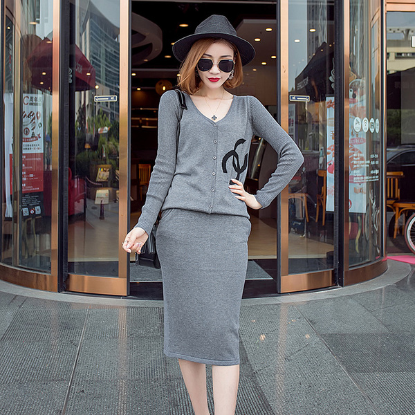 Two-Piece Dress New Fashionable V Collar Gray Cardigan Sweater With Skirt Dress