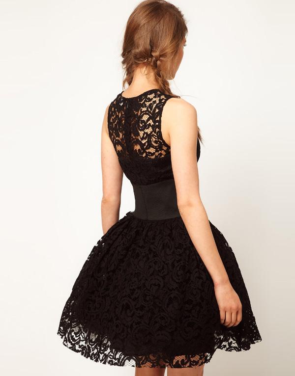 Короткие кружевные пышные платья