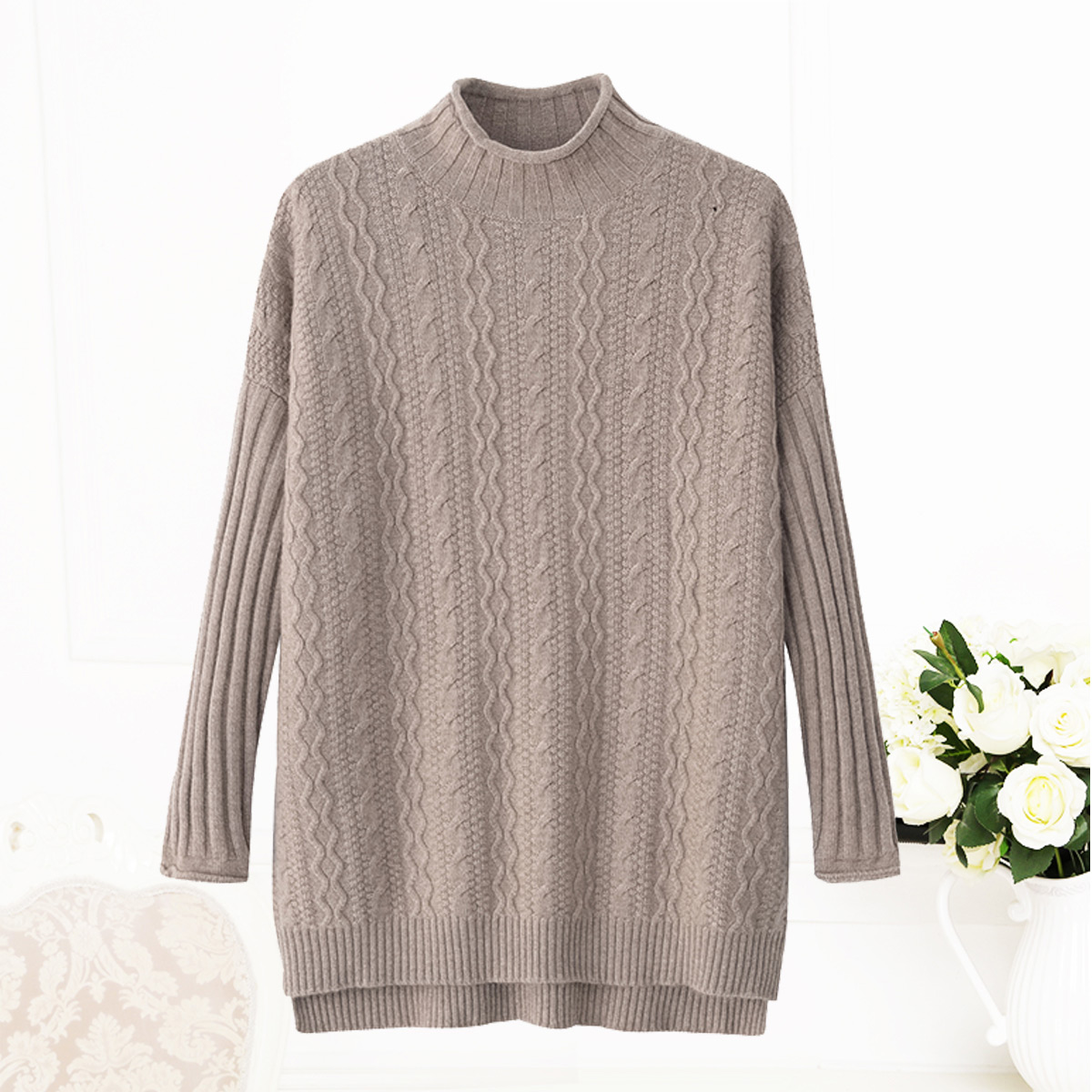 秋冬新款女士羊绒衫半高领卷边时尚宽松加厚中长款针织衫开叉毛衣