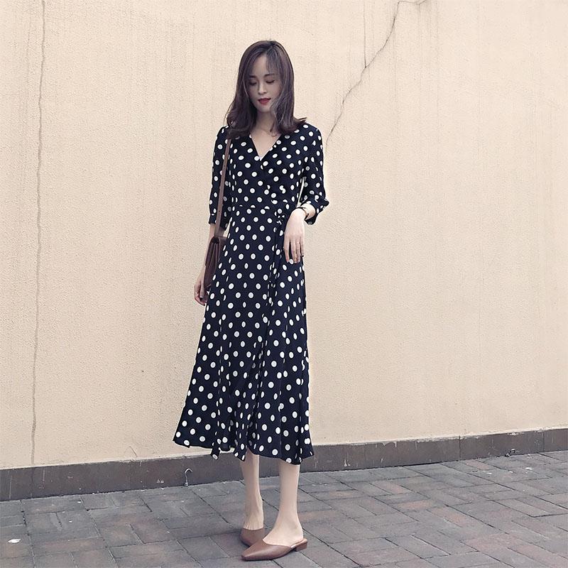 黑色波点新款韩版v领收腰显瘦气质长款连衣裙