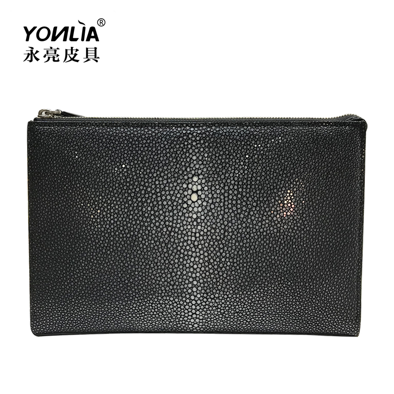 Yongliang leather new leather business clip bag pearl fish skin hand bag imported devil fish mens envelope bag