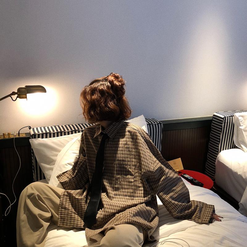 卤卤lulu 港风宽松格子衬衫女秋2018新款学生复古衬衣外套 送领带