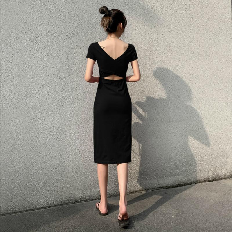露背连衣裙女夏性感气质2020新款小心机收腰显瘦侧开叉赫本风长裙