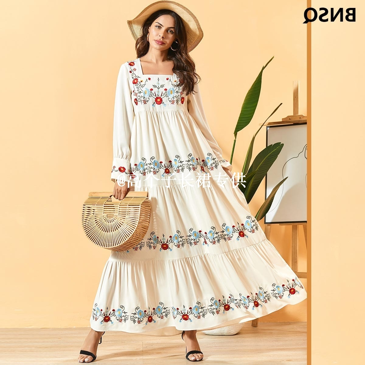 Bohemian embroidered dress with high swing and ankle length
