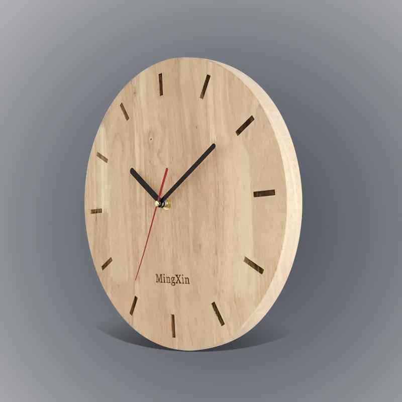 挂钟客厅简约现代创意北欧静音定制刻字中式圆形实橡胶木原时座表