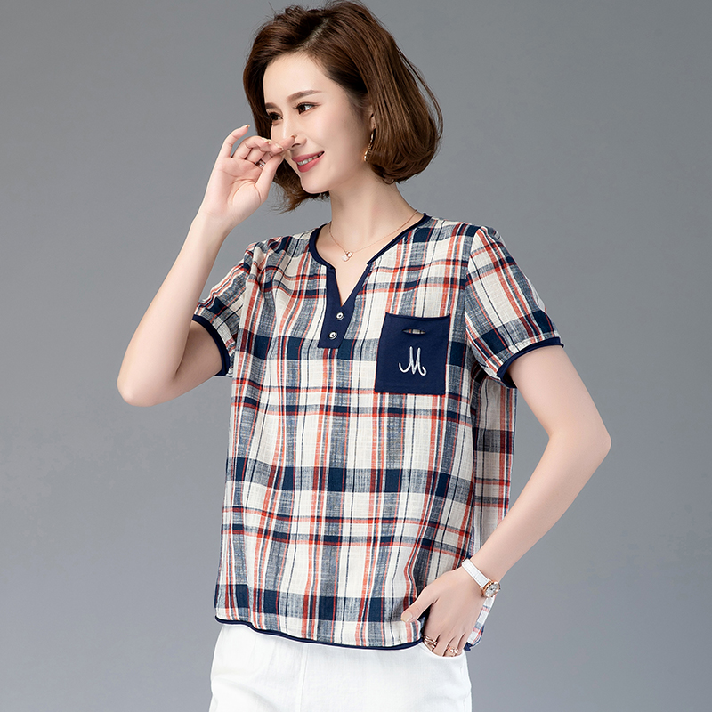 Plaid V-neck T-shirt Women Short Sleeve 2020 summer new loose foreign style top middle aged big size mother pure cotton embroidered small shirt