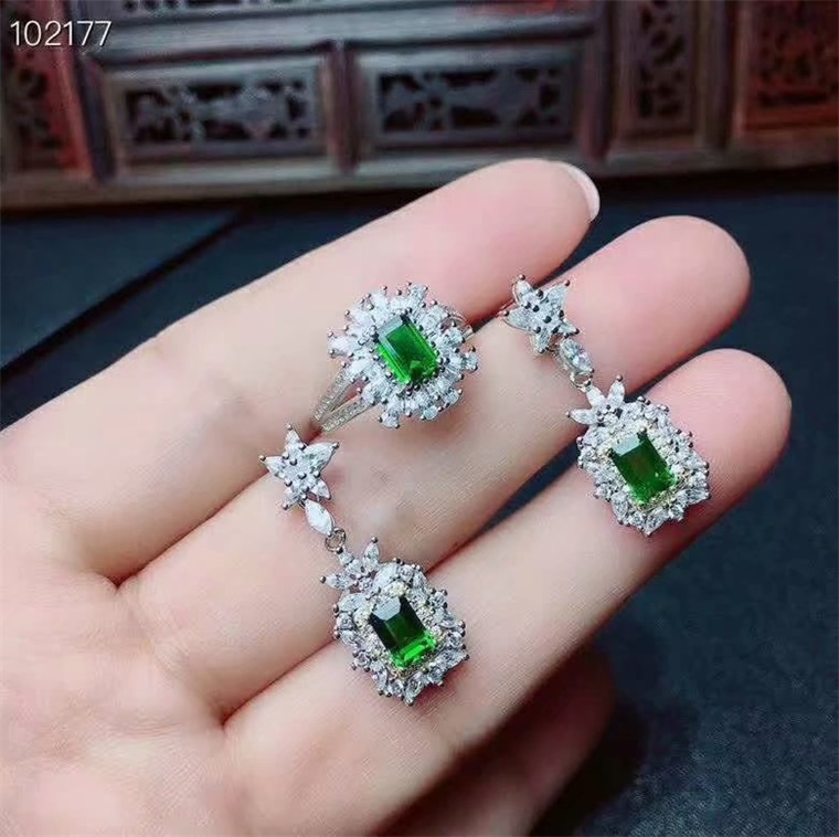 Vintage luxury S925 sterling silver set with natural diopside jewelry set emerald Earrings womens gift L