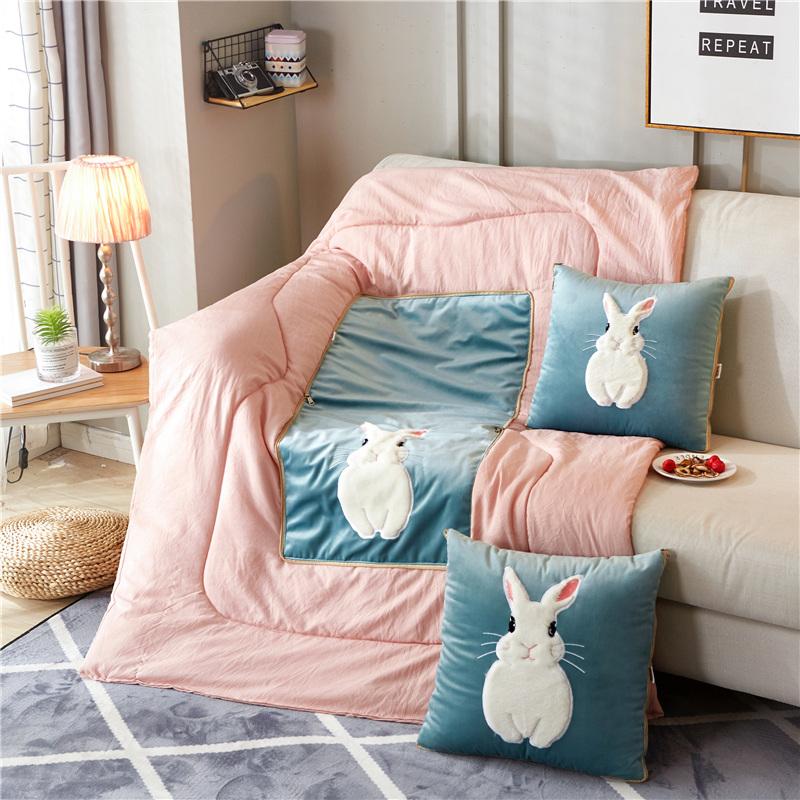 毛绒简约可爱靠垫被靠包午休抱枕被限时抢购