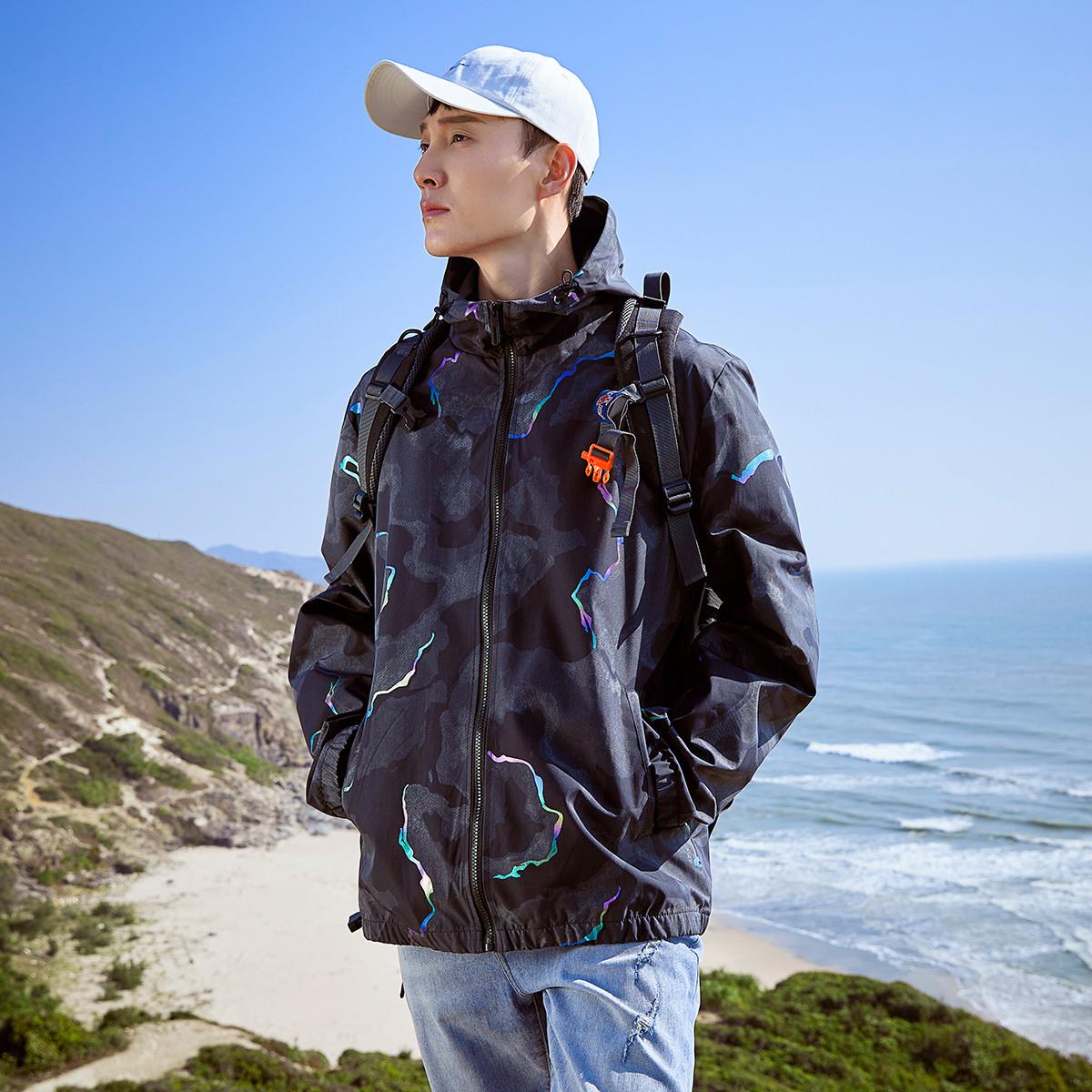 新款男式户外登山夹克衫迷彩反光外衣青年连帽运动外套休闲情侣装