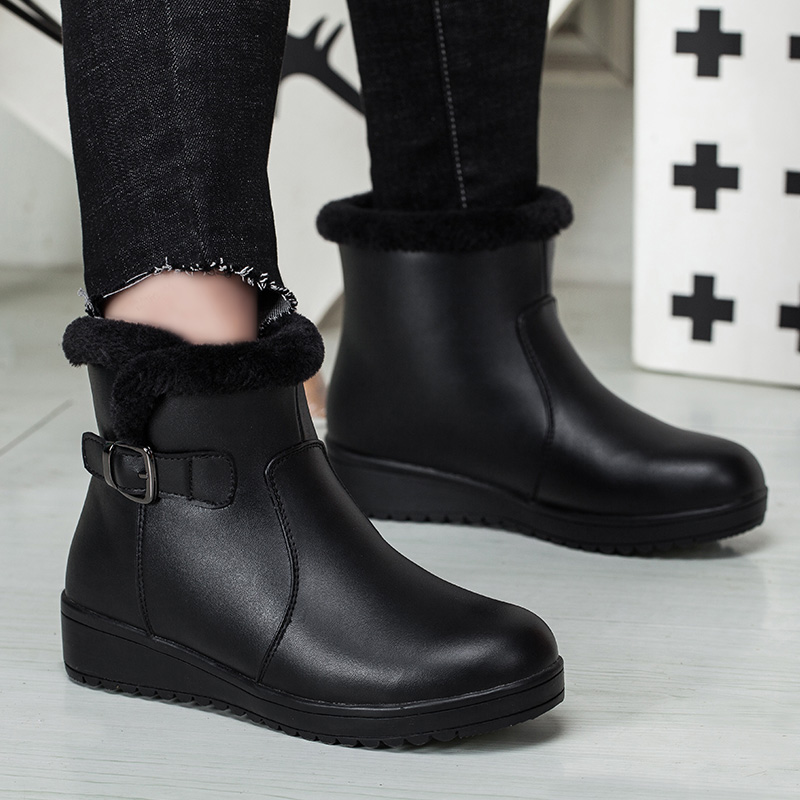 Yijiabao winter cold resistant mothers shoes cotton shoes casual warm and plush flat bottom middle-aged and elderly short boots female ox tendon sole