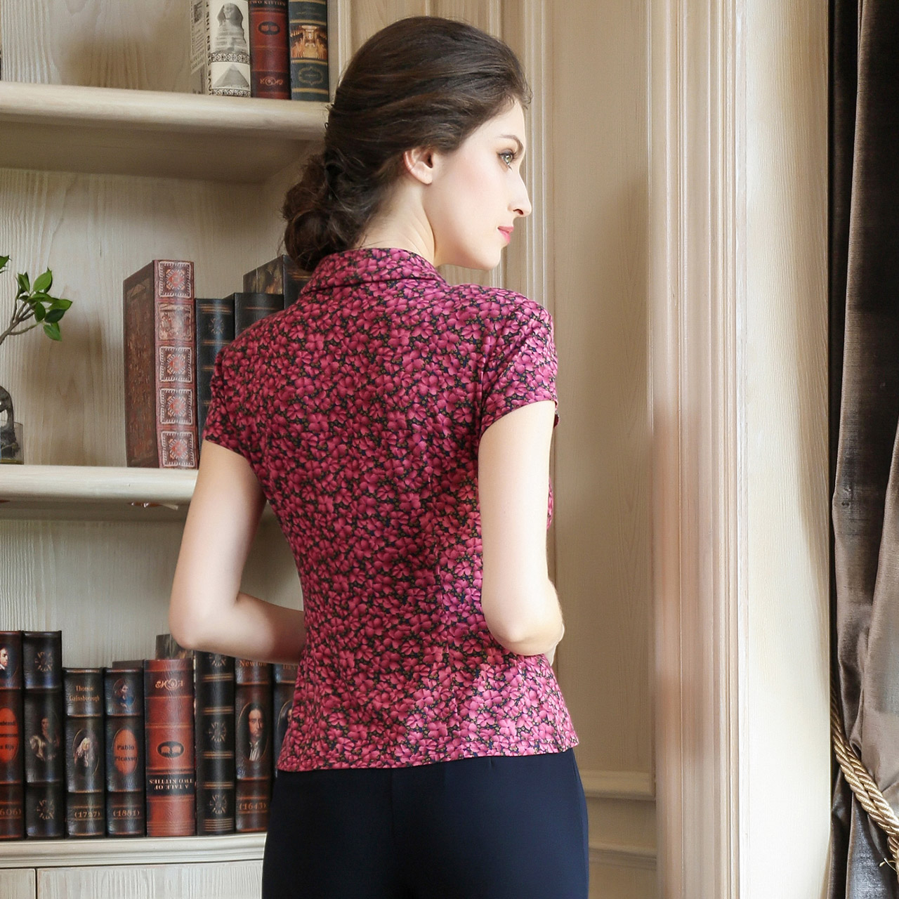 MORELINE沐兰夏季新品娃娃领修身显瘦碎花弹力短袖衬衫女士上衣