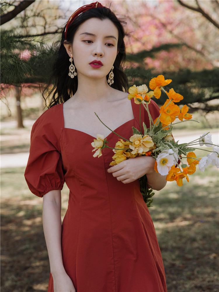 法式小众宫廷复古风方领可甜可盐红色连衣裙夏超仙夏季收腰赫本风图片