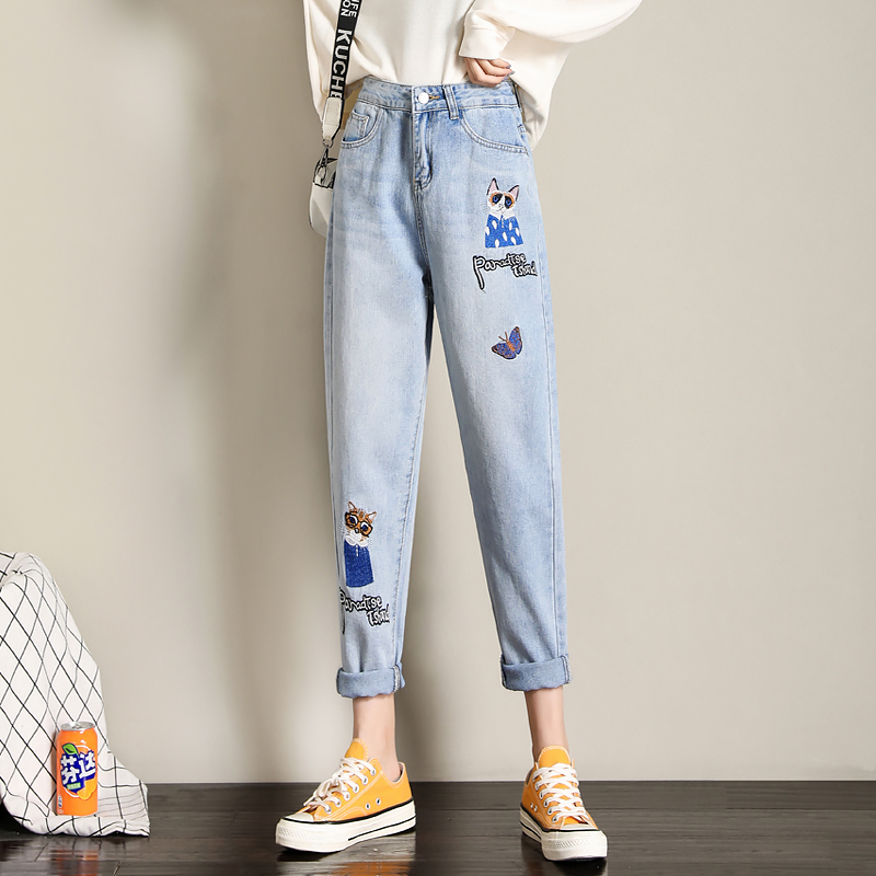 Light color embroidered jeans womens 2021 new spring and autumn thin high waist loose show thin show high Harlan fashion