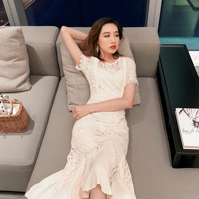 法式连衣裙2020新款气质女神范衣服短袖收腰显瘦过膝蕾丝裙子女夏