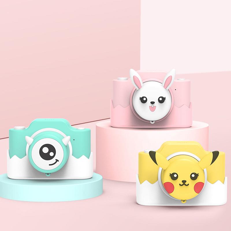 子供のカメラのおもちゃは写真を撮ることができます。デジタルWIFIの女の子の漫画新年のプレゼントは小型の一眼レフです。
