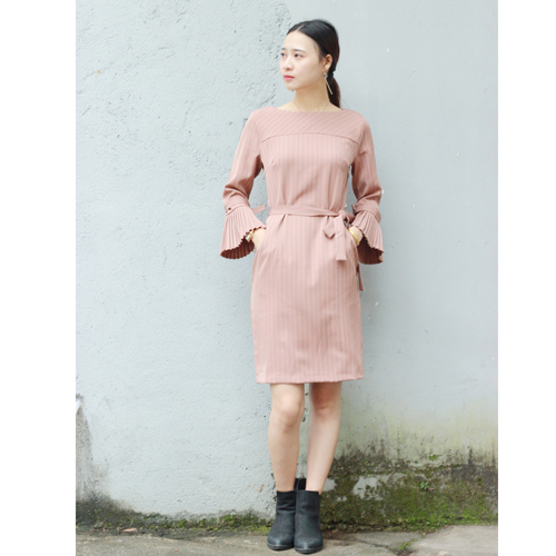2017 spring and summer new womens clothing art RETRO age reducing stripe versatile celebrity Xiaoxiang pleated trumpet sleeve dress