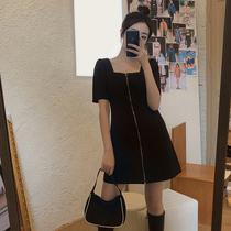 大码女装胖妹妹mm夏季蹦迪方领裙子赫本风连衣裙女显瘦设计感短裙