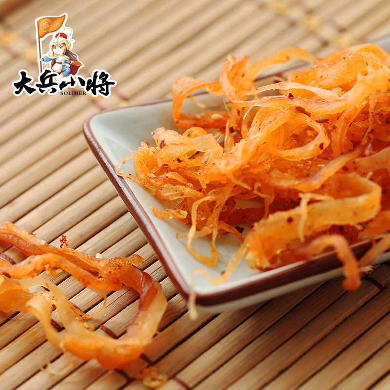 Soldiers and young generals spicy charcoal roasted shredded squid 68g Hunan local specialties instant seafood snacks