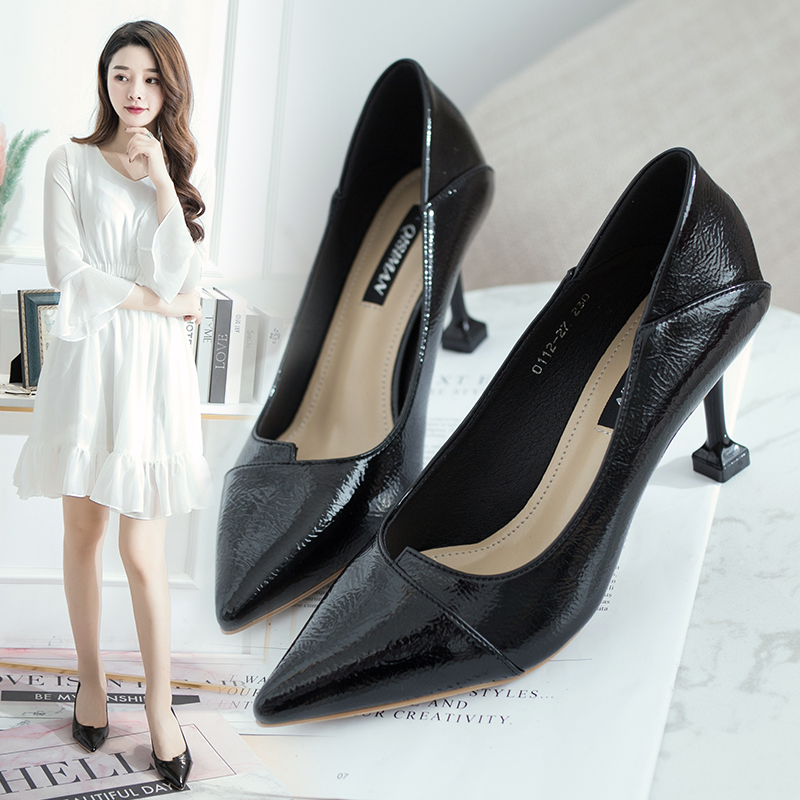 Spring and autumn single shoes womens 2018 new girls sexy high heels womens pointed thin heel patent leather versatile womens shoes wedding shoes women
