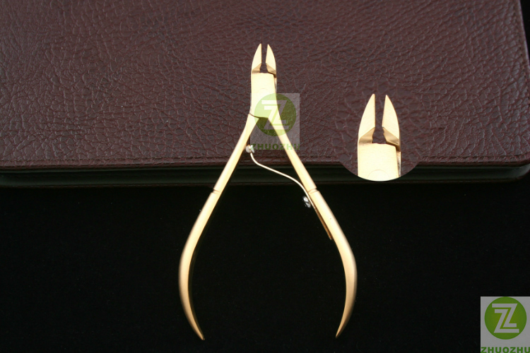 Promotion of 8715 stainless steel beauty forceps manicure tools