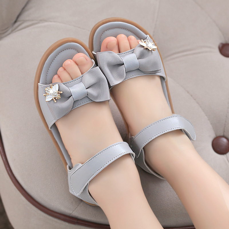 Girls sandals summer soft bottom princess style 2021 new summer cow tendon bottom little girl foreign style lady childrens shoes