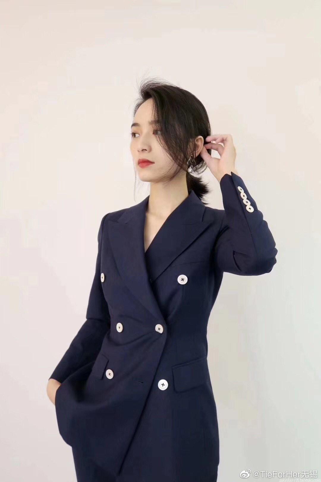 精英律师蓝兰美洋同款藏青色双排扣套装职业主持宴会活动显瘦西服