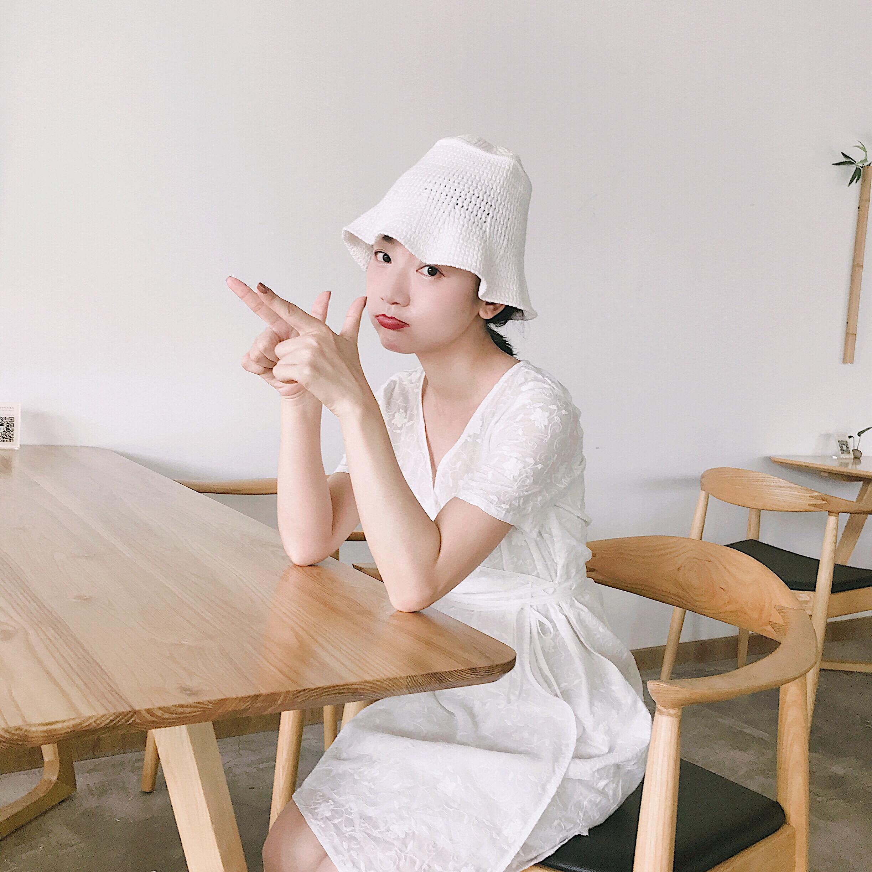 CIBABY 大C自制原创设计款  日系百搭V领修身白色刺绣连衣裙棉