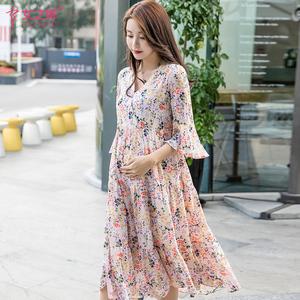 孕妇哺乳连衣裙夏天洋气孕妇裙子雪纺碎花中长款外出时尚潮妈夏装