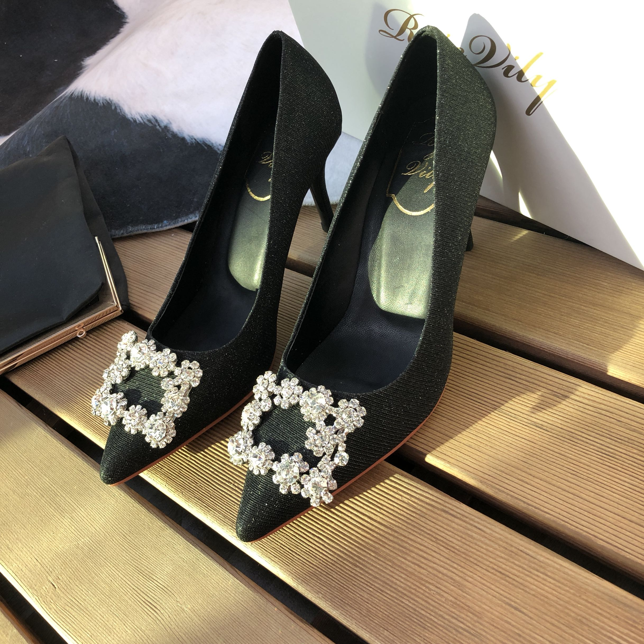 RV water diamond square button high heel pointed point shiny leather satin wedding shoes dress shoes fashion office comfortable shallow mouth single shoes