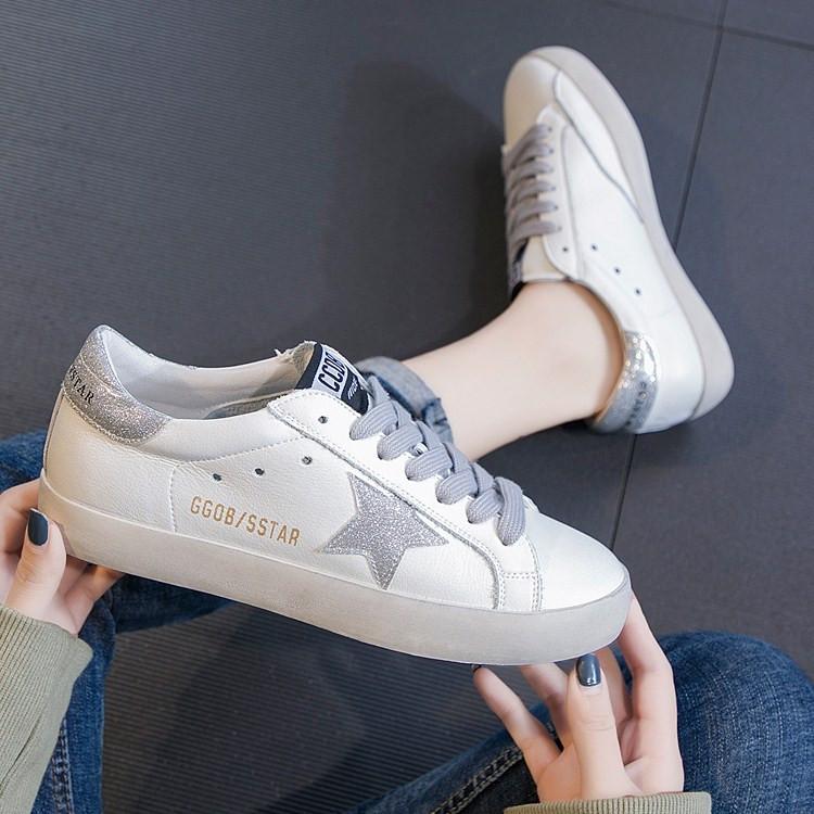 可卡依真皮小白鞋百搭休闲鞋女单鞋2019春款韩国做旧星星脏脏板鞋