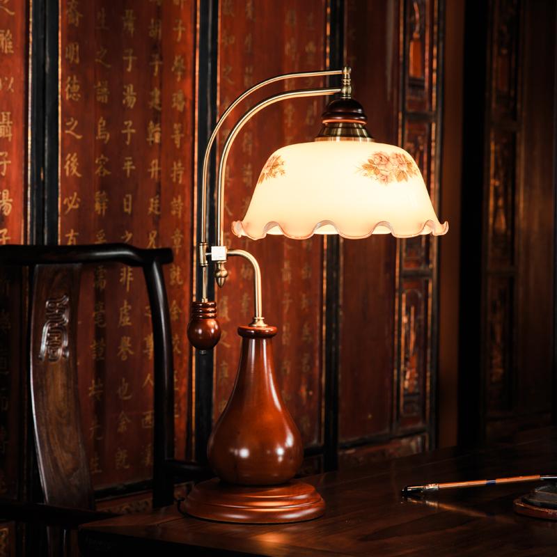 新しい中国式の復古する赤い木のスタンドの古い上海の民国のお茶のビルの書斎の寝室のベッドルームの枕元の懐古的なコーヒーホールの石炭のランプ