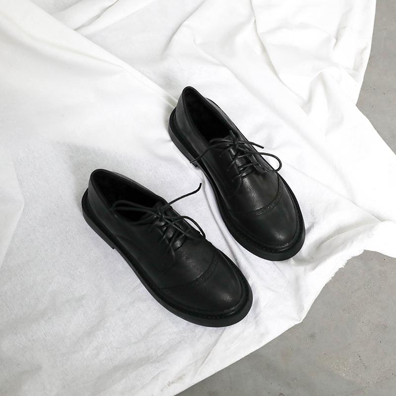 英伦风布洛克系带平跟小皮鞋 经典圆鞋头型设计复古又时髦