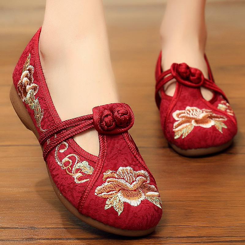 红色绣花鞋平底老人鞋子太太老北京布鞋夏女时尚高档60多岁红女鞋