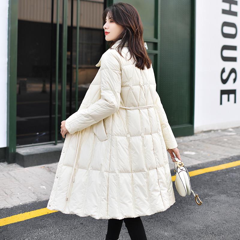 2019冬季新款韩版时尚轻薄羽绒服女中长款系带收腰菱形格翻领过膝