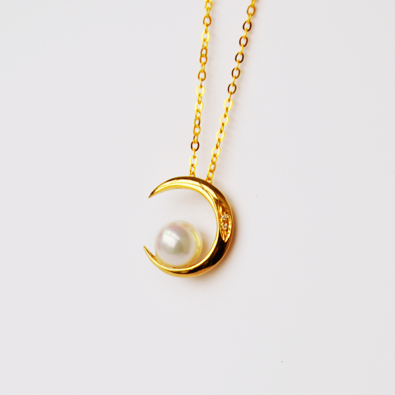 Japan Akoya sea pearl pendant Moon Necklace clavicle chain 18K gold inlaid with diamond light luxury Japanese jewelry