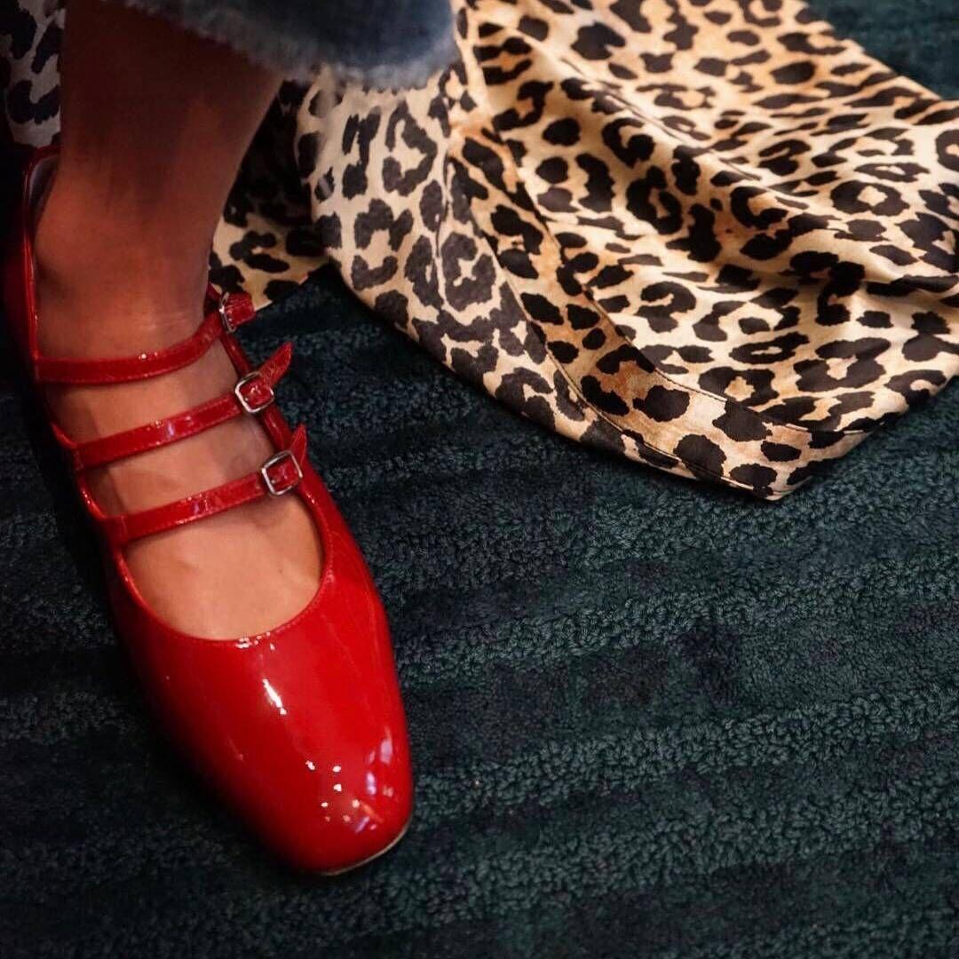 【三人行】复古玛丽珍粗跟单鞋真皮四季单鞋复古中跟牛皮女单鞋子