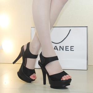 超高跟女鞋2020新款凉鞋细跟防水台一字凉鞋黑色夏季露趾高跟鞋子