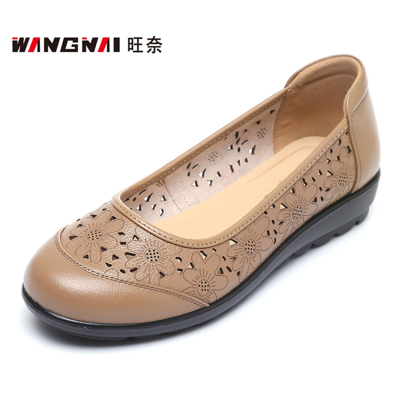 Summer brand womens soft leather hole shoes extra large flat bottom middle-aged and elderly sandals small soft bottom mesh leather shoes 42
