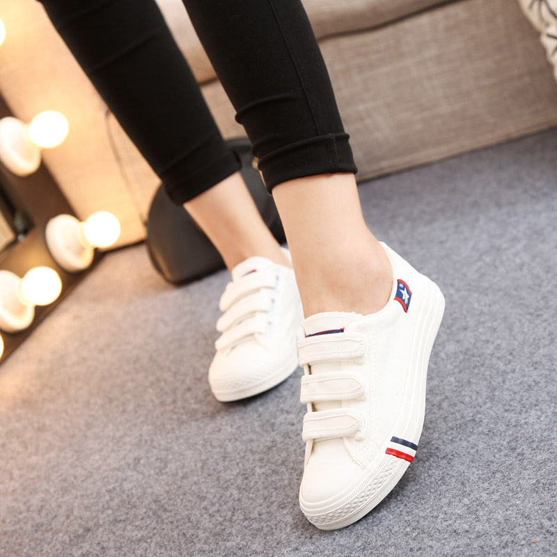 Xia Xiaobai shoes female students canvas shoes female students casual shoes large size 40 41 42 43 flat Velcro board shoes