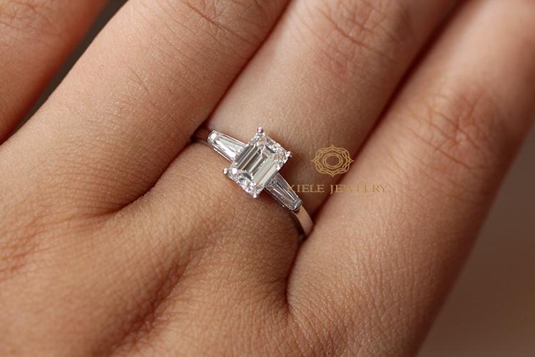 1カラットのエメラルドカットダイヤモンドの指輪は、実際に偽の10 GIAを注文しました。