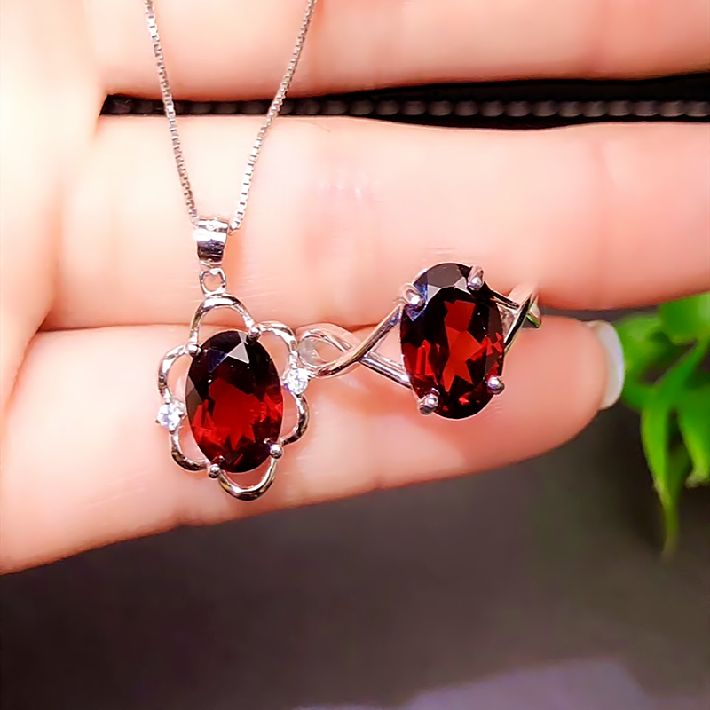 New spot 925 silver inlaid pigeon blood red garnet Set Necklace Pendant ring live mouth Japan and South Korea simple fashion