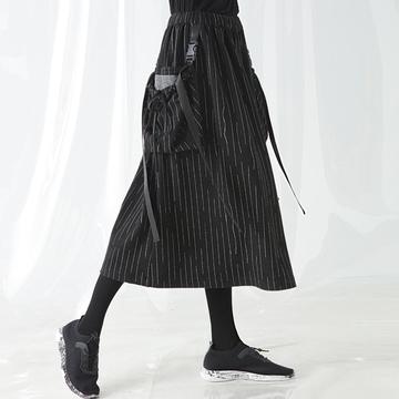 自然码原创松紧腰心机裙子设计感宽松竖条纹中长款高腰半身裙女秋