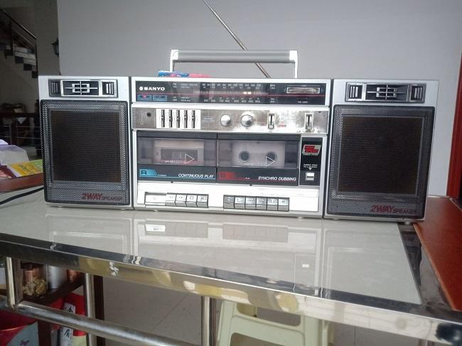 本三洋MW-230 Kのテープレコーダーを郵送します。
