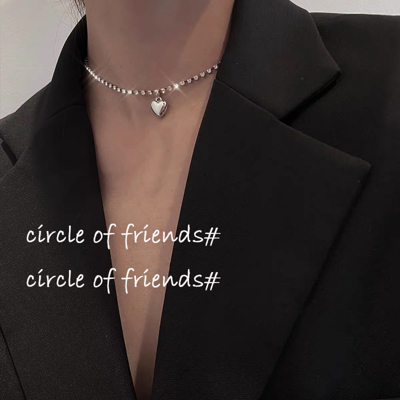Cool wind short cross clavicle chain retro punk light luxury Necklace simple minority design temperament 2020 new style