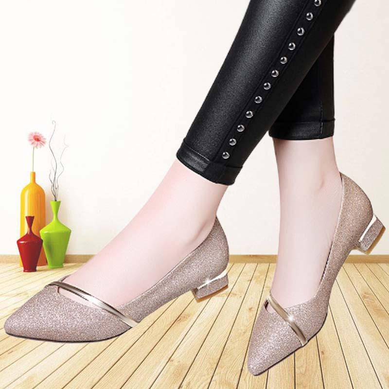 Pointed spring and autumn French single shoes womens fashion versatile middle heel Size 41 2021 spring and summer shallow mouth new wedding shoes bride shoes