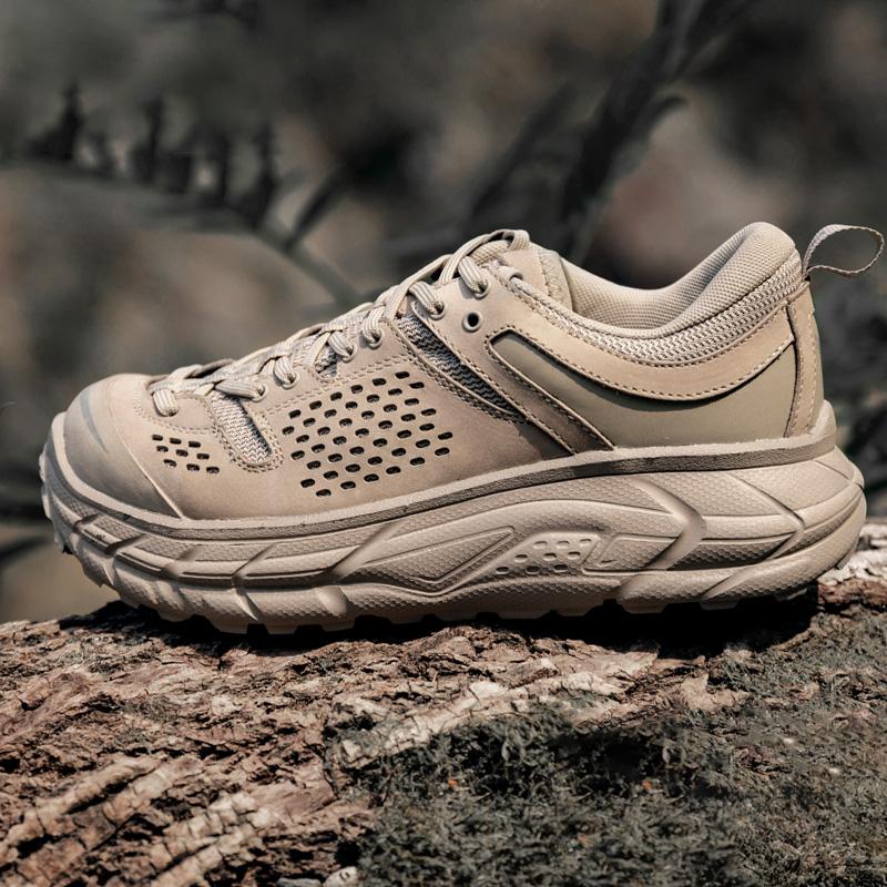 第七大陆防水登山鞋男冬季轻便户外鞋女防滑徒步鞋透气沙漠登山靴