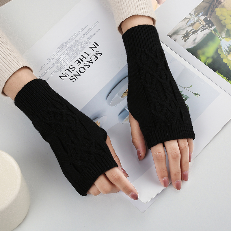 Cashmere Half Finger Gloves for men and women autumn and winter lovely Korean version wool warm Fingerless short school knitted open fingered thread
