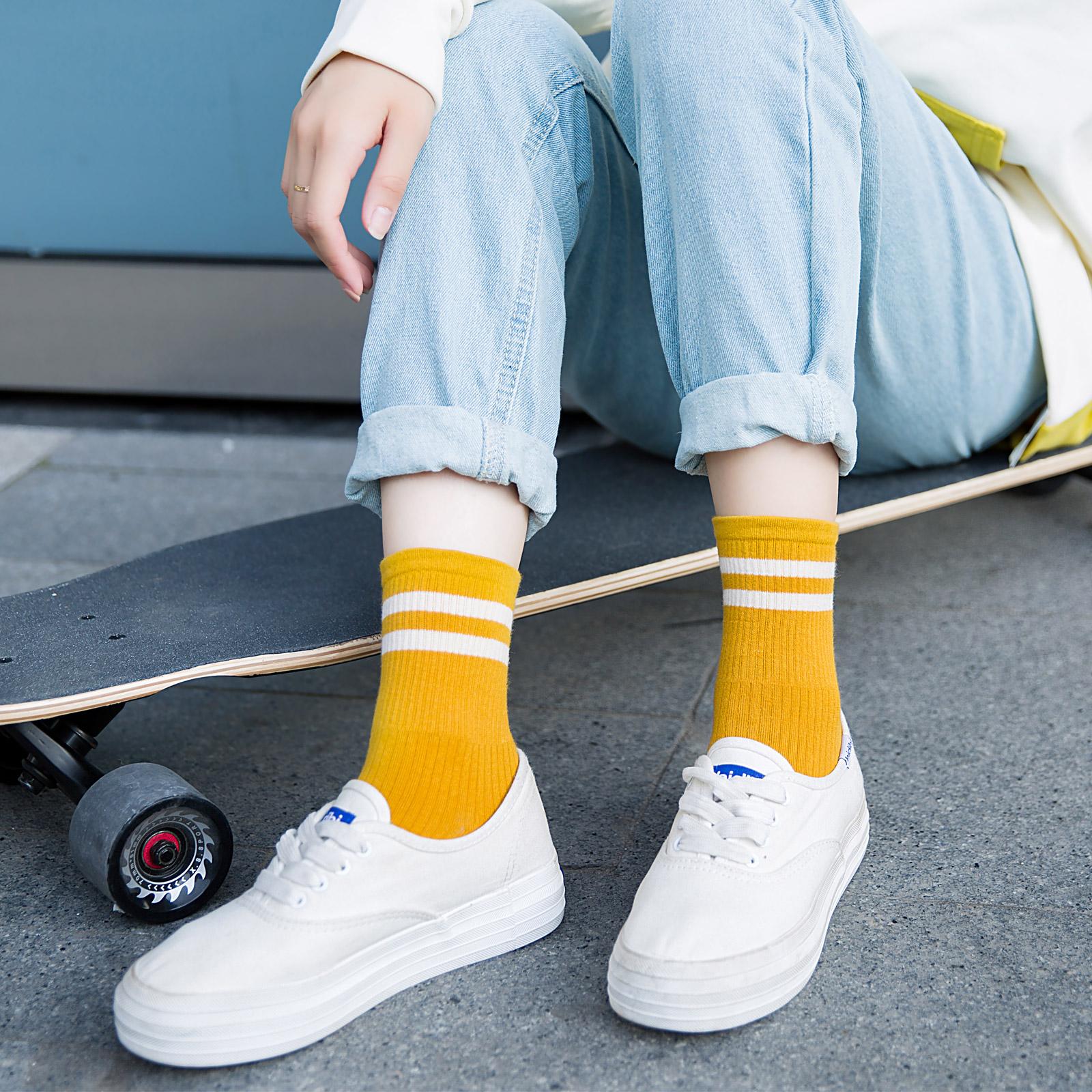 春秋袜子女韩版秋冬中筒袜学院风条纹ins潮日系滑板袜学生长筒袜