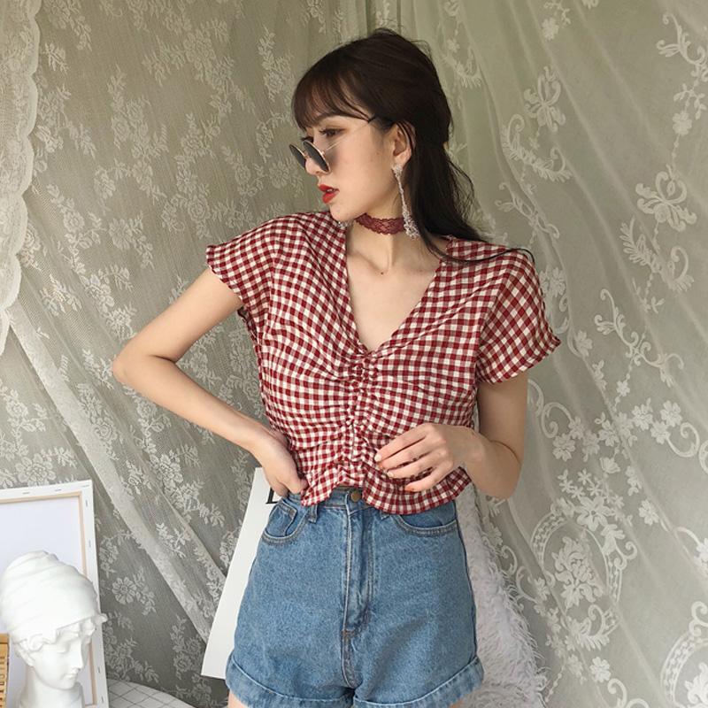 短袖衬衫女夏装2018新款港味chic复古格子显瘦木耳边V领短款上衣