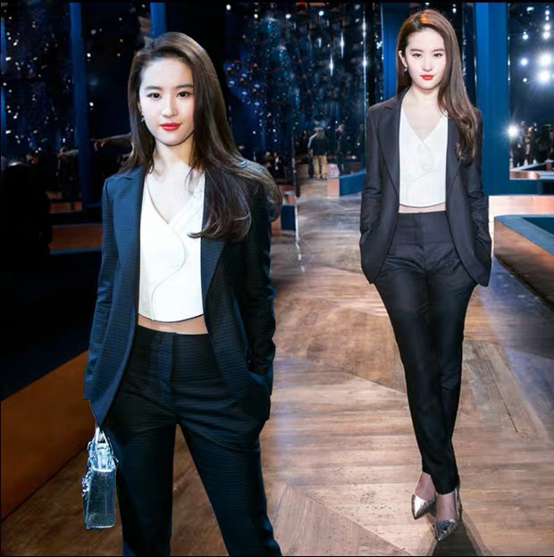 Striped suit womens spring and autumn 2020 new Korean leisure British chic suit three piece suit